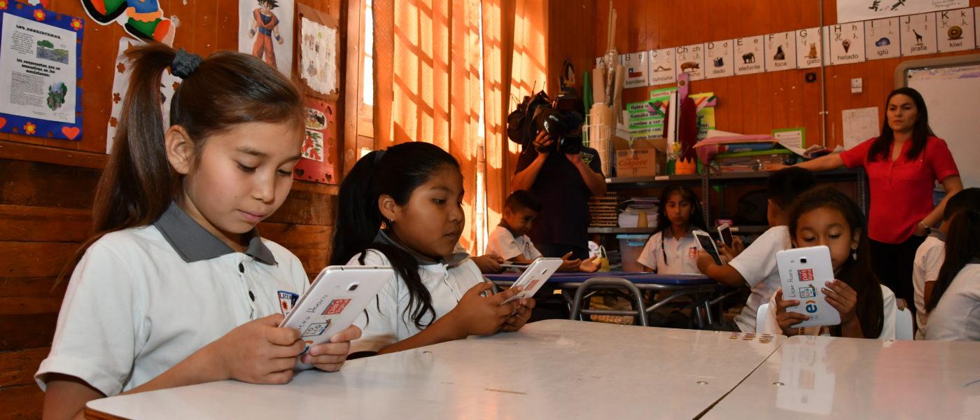 """Programa """"Yo Leo"""": A través de tablets más de 250 estudiantes de Tarapacá recibieron clases de aymara"""